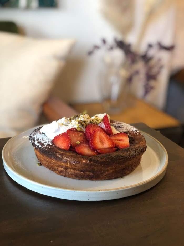 下関のカフェ、メネフネの季節のパンケーキがオススメ