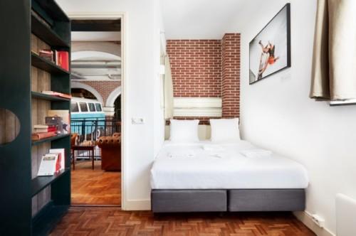 アムステルダムにある隠し扉のホテル