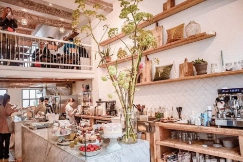 アムステルダムの人気カフェPlukの店内